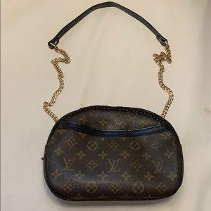 Louis Vuitton blois crossbody bag